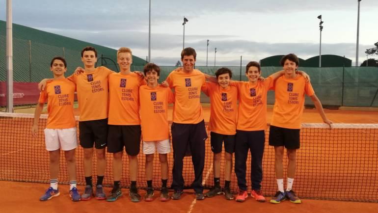 Atletas da Escola Ténis Vencem em vários torneios!